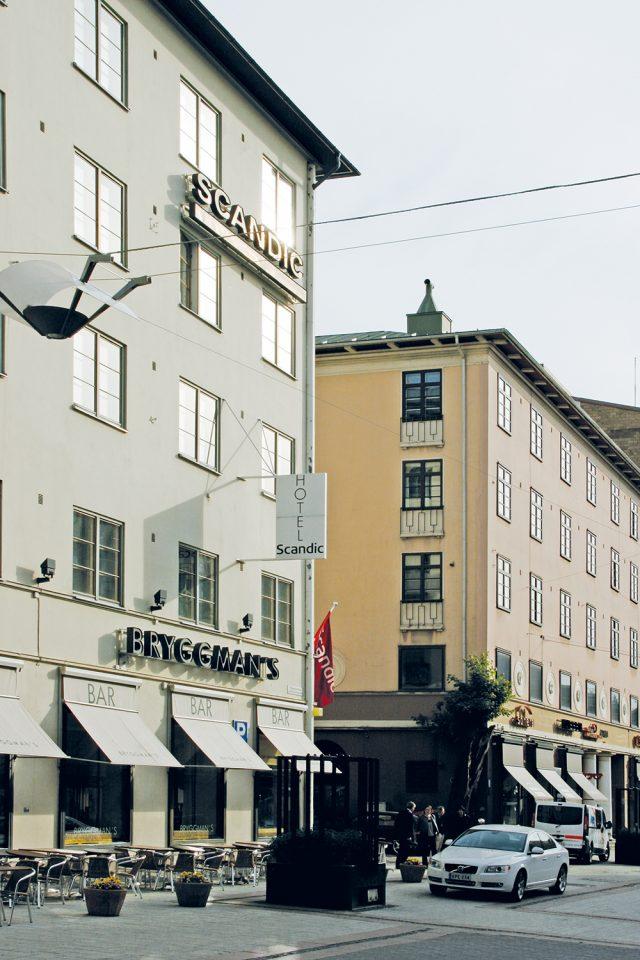 Atrium (right) and Hospitz Betel, also by Bryggman, Atrium Apartment Building
