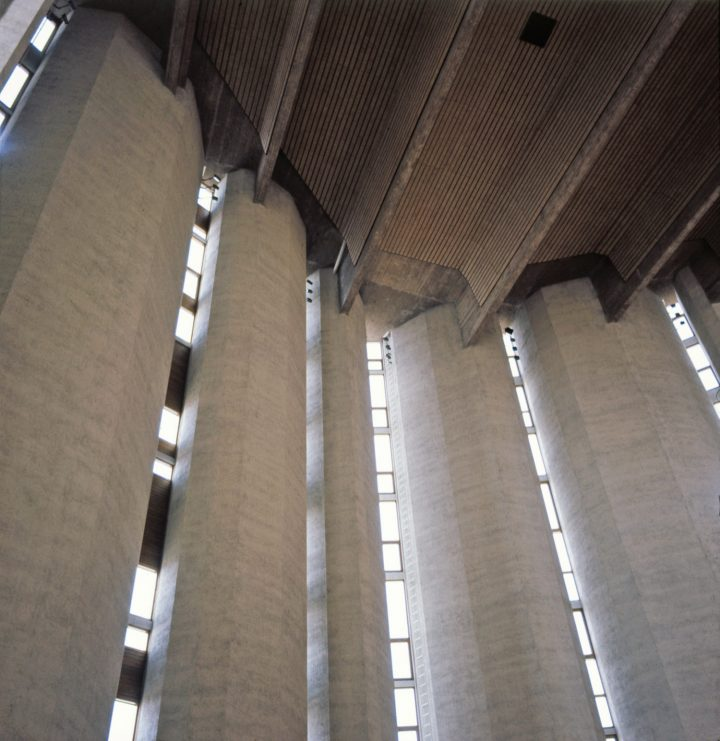 Window strips and prestressed roof beams., Kaleva Church