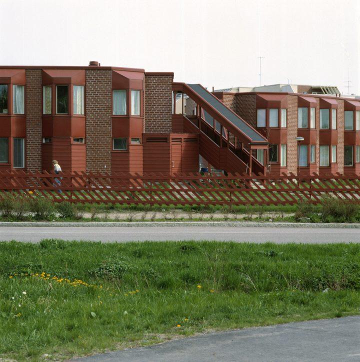 Street facade, Malminkartano Experimental Housing