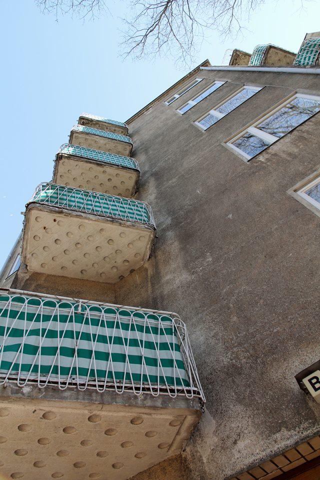 Riverside façade in 2011, Läntinen Rantakatu 21 Apartment Building