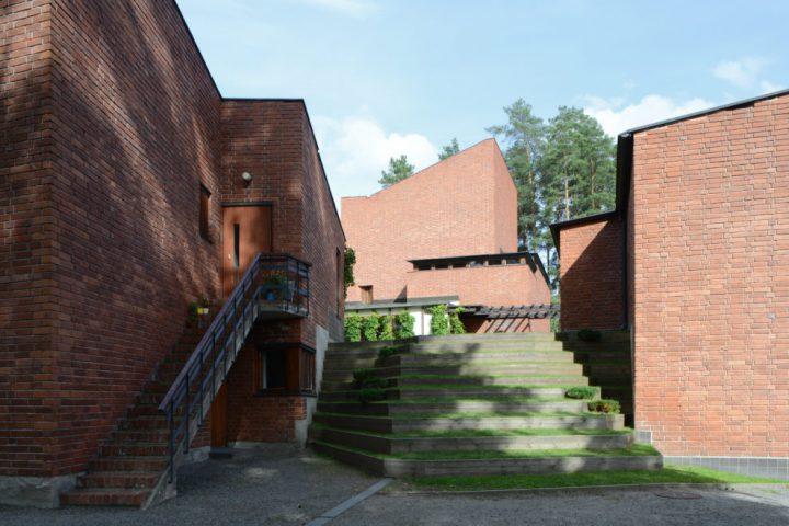 Grass staircase, Säynätsalo Town Hall